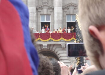 Seconds before the kiss on the balcony of Buckigham Palace (Photo by Nikoletta Hossó)